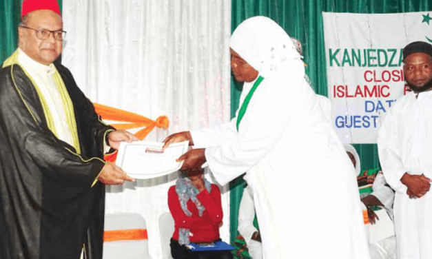 Kanjeza Islamic Sisters Graduates 440 women in Islamic Banking and Trading